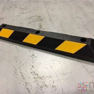 Rubber Kerb Moulding 900mm x 150mm x 95mm